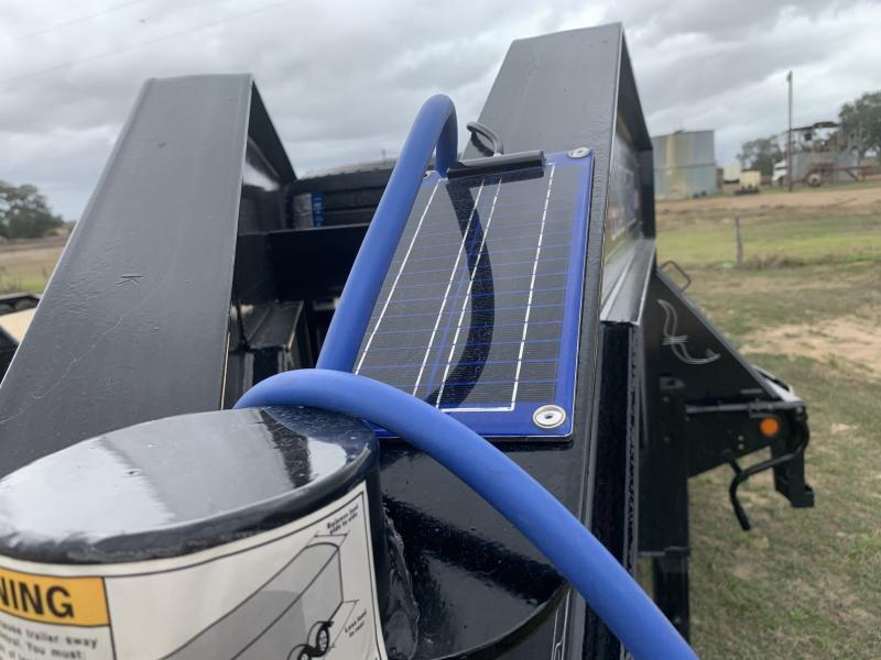 2021 Load Trail 40' FLATBED AIR RIDE W/ LIFT 25.9K