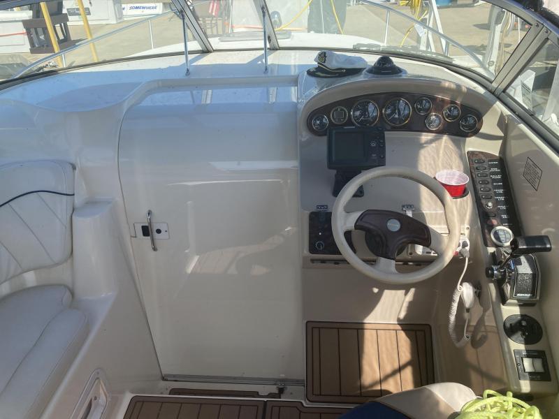 1999 Rinker 270 Fiesta Vee Cruiser (Power)