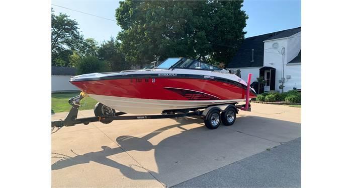 2012 Yamaha Boats 212 SS