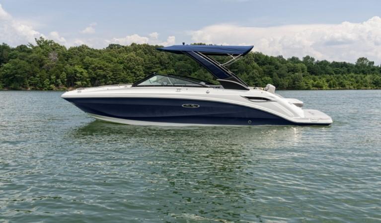 2022 Sea Ray 250 Sundeck Bowrider