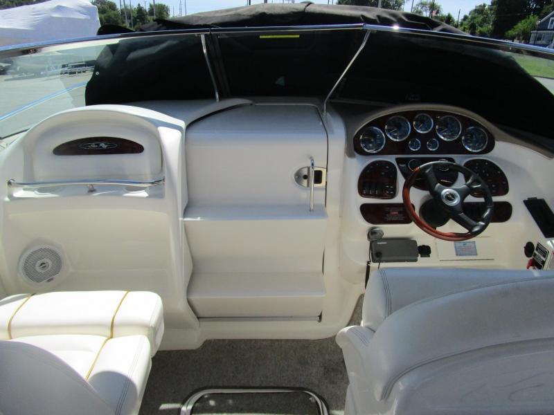 2002 Sea Ray 290 SS Cuddy Cabin
