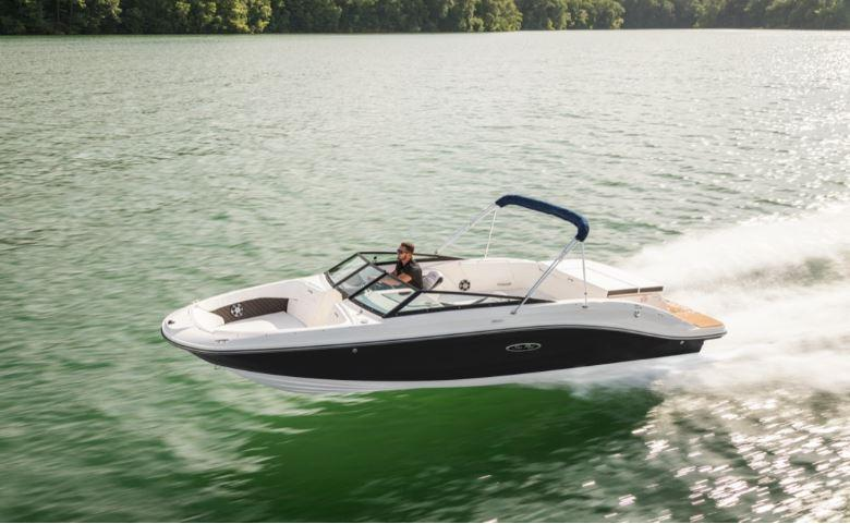 2021 Sea Ray SPX 230 Bow Rider