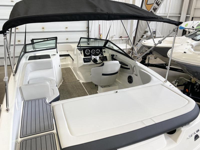 2021 Sea Ray SPX 190 Bow Rider
