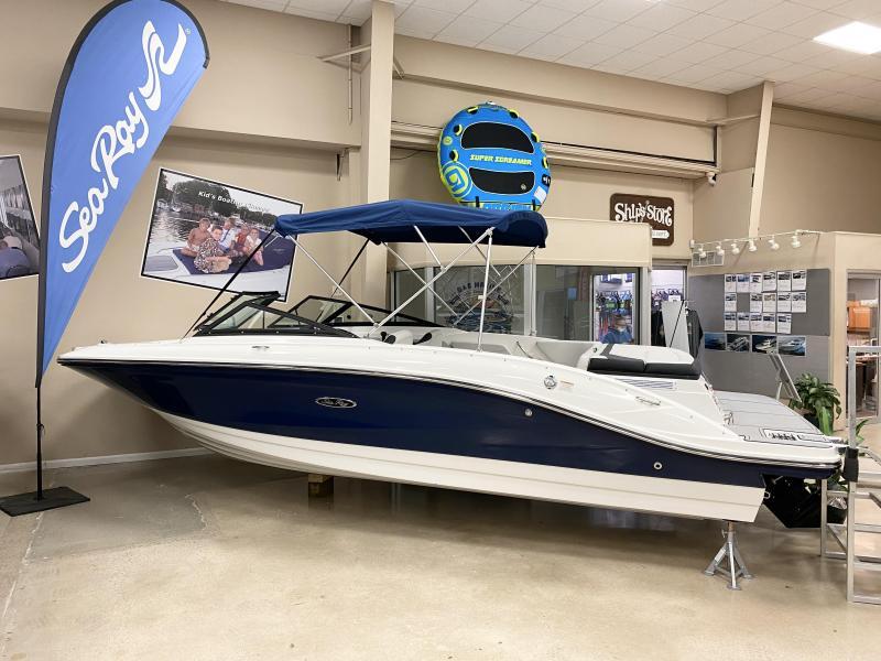 2021 Sea Ray SPX 210 Bow Rider