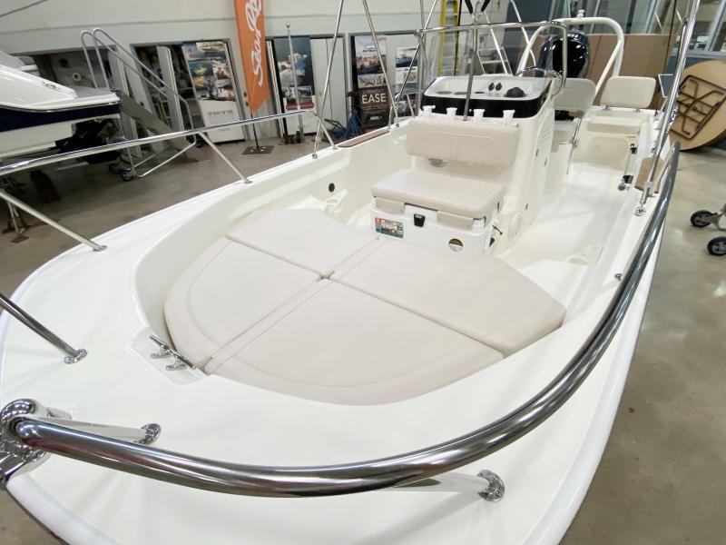 2022 Boston Whaler 170 Montauk Center Console