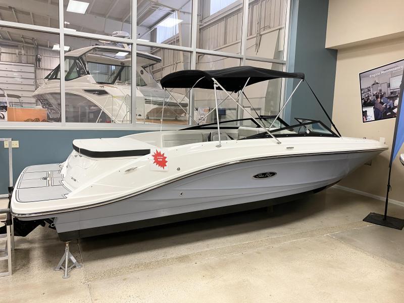 2021 Sea Ray SPX 230 Bow Rider