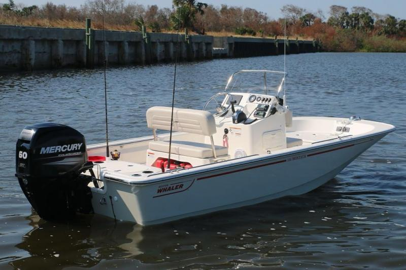 2022 Boston Whaler 150 Montauk Center Console