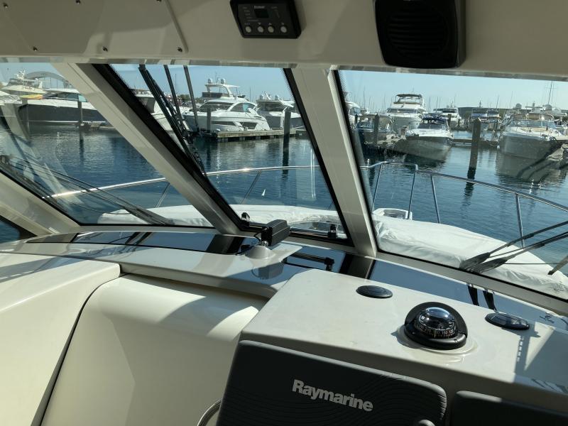 2015 Boston Whaler 345 Conquest Center Console