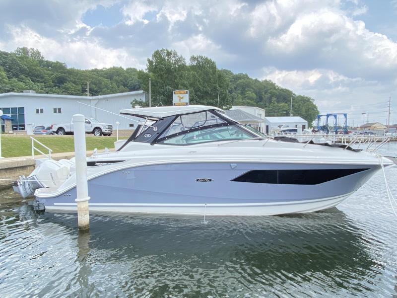2022 Sea Ray Sundancer 320 Outboard Cruiser