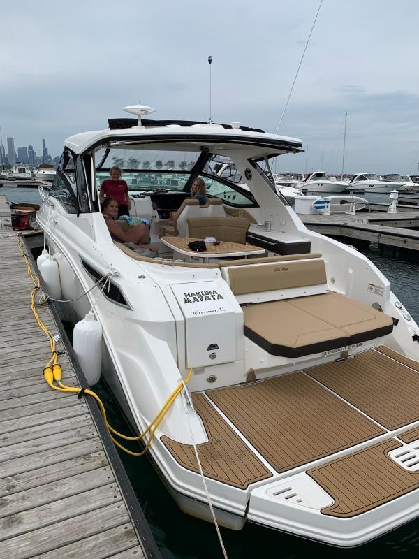 2019 Sea Ray Sundancer 320 Cruiser (Power)