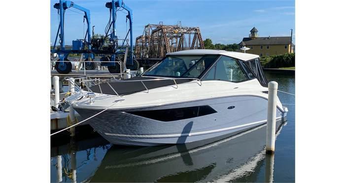 2021 Sea Ray Sundancer 320 Coupe