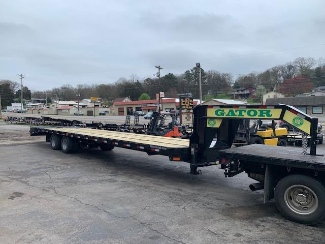 2020 Gatormade Trailers 30 plus 5 gooseneck 24900 GVWR Equipment Trailer