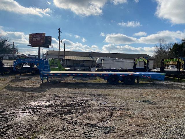 2021 Load Trail 102'' x 30' Gooseneck Equipment Trailer