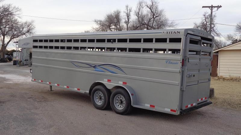 Used 2019 Titan 24' Classic Livestock Trailer