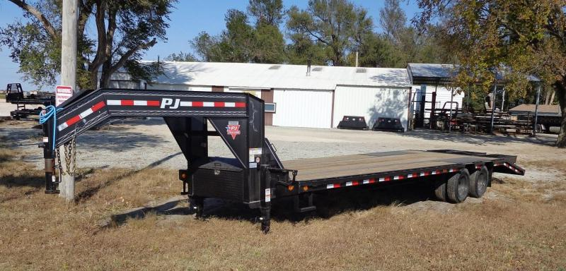 "2021 PJ Trailers 102"" x 30' Low-Pro Flatdeck with Duals (LD)"