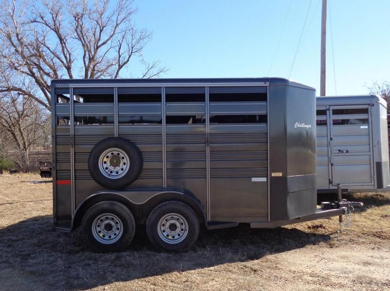 2019 Titan Trailers Challenger Livestock Trailer