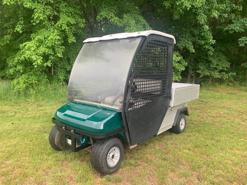 Club Car Turf 2 Gas Powered Utility Vehicle w/Cab & Dump Bed