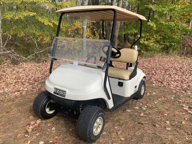 2014 EZGO TXT GAS 2 pass golf cart in excellent condition-White