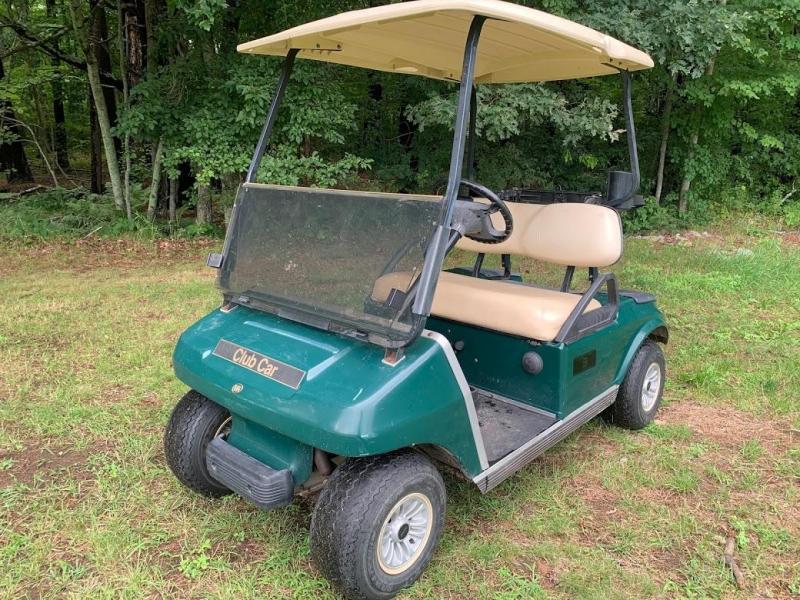 Summer Special! Nice GAS powered Club Car DS 2 passenger golf cart