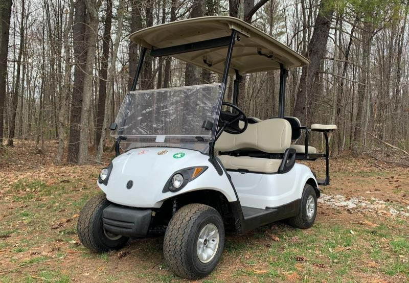 NICE! Yamaha Drive 48 volt electric 4 passenger golf cart