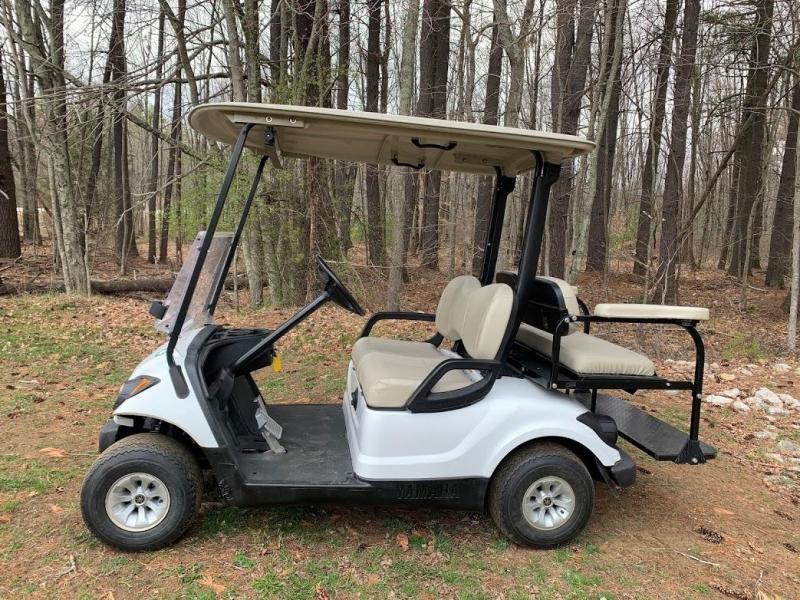 NICE! Yamaha Drive 48 volt electric 4 passenger golf cart