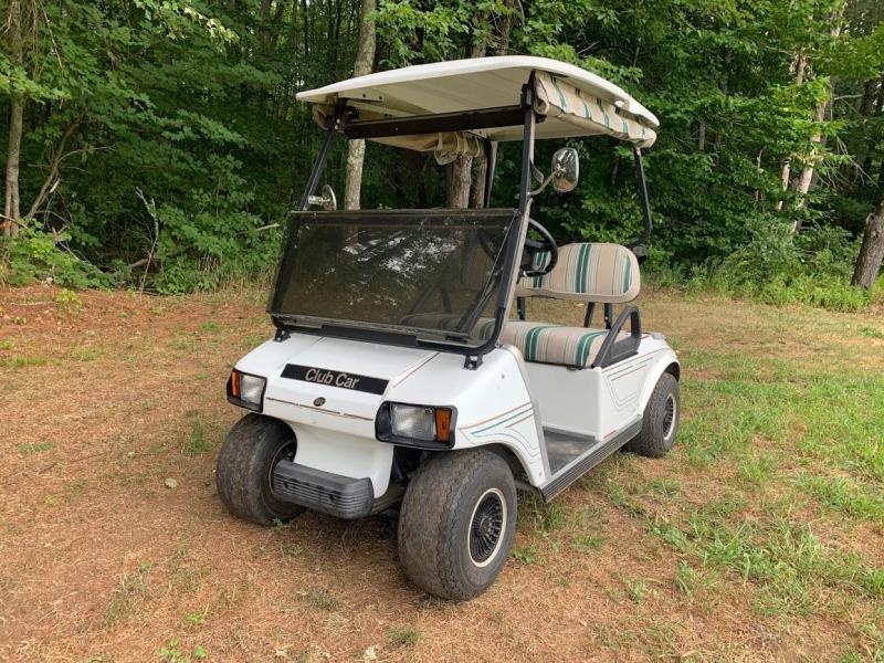 19 MPH Club Car DS Electric 2 pass golf cart runs GREAT!! 2018 Batteries