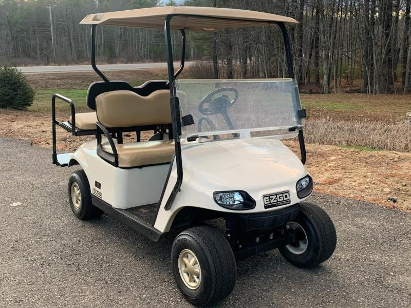 Winter Clearance! 2014 EZGO TXT GAS 4 pass golf cart in great condition-White