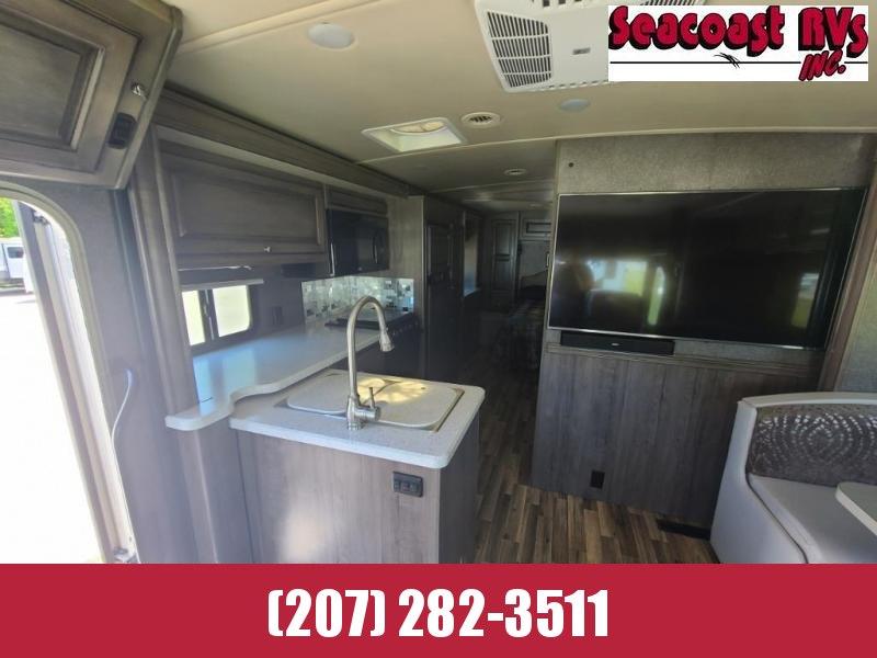 2018 Winnebago Vista LX 27N Class A RV