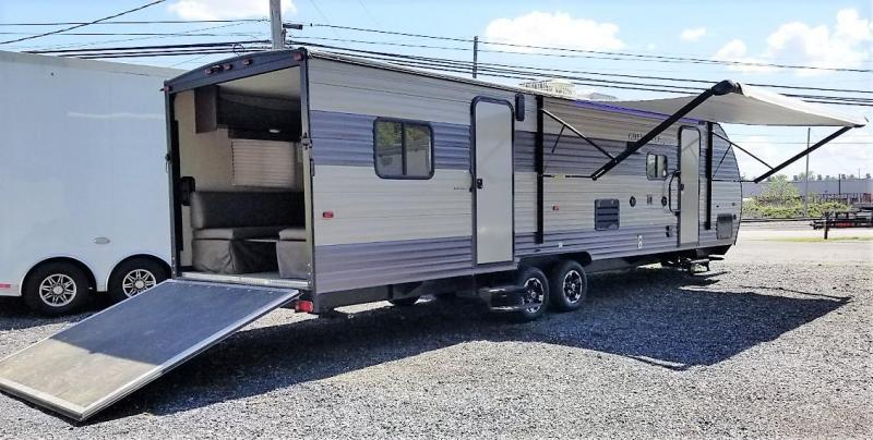 2017 Forest River Grey Wolf CCKT27RR Toy Hauler RV