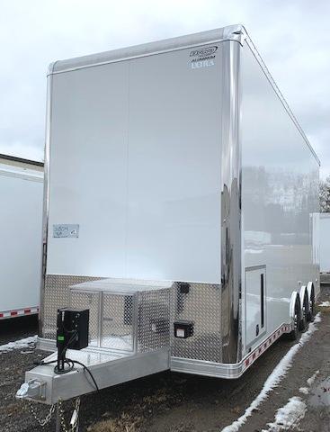 28' Aluminum ICON Stacker w/Wing & Blackout Trim Cabinet Pkg.