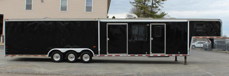TRADED LIVING QUARTERS JUST ARRIVED  1999 44' Haulmark Gooseneck Car / Racing Trailer