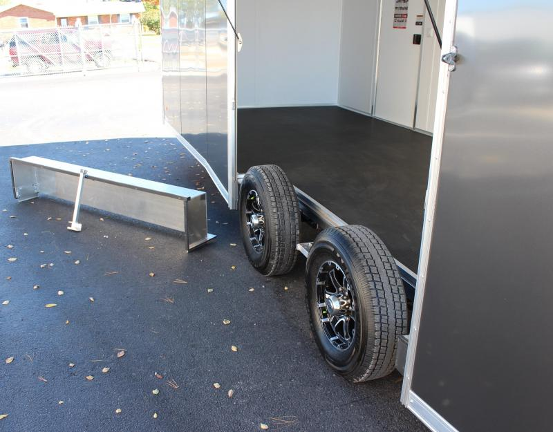 <b>NEED EASY EXIT ACCESS?</b> 2021 24' Millennium Extreme Aluminum Lite w/Removable Fender/Spread Axles/Rear Wing