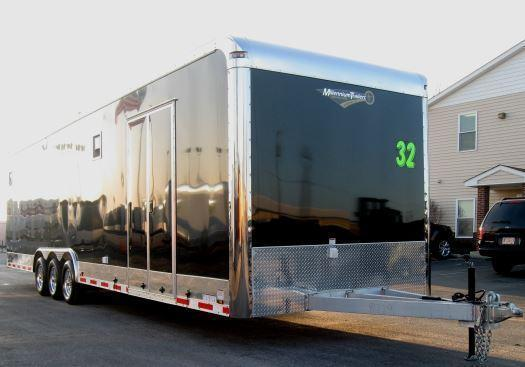 32' ALL ALUMINUM Auto Master 12 Extra High /Black Cabinets/Diamond Ice Walls w/Carpet