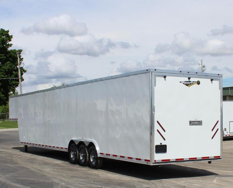 <b>160' DBLE ROW RECESSED E-TRACK</b> 2020 48' Millennium Silver Gooseneck  Wide Ramp Door Triple 7K Axles