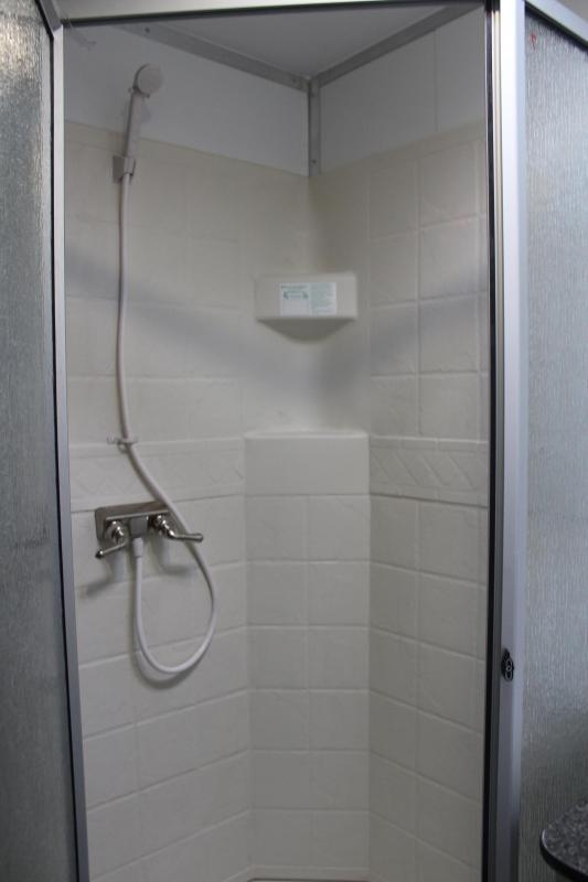 <b>NOW READY</b> FULL LARGE BATHROOM w/SHOWER 2021 44' Millennium Platinum w/Tapered Nose