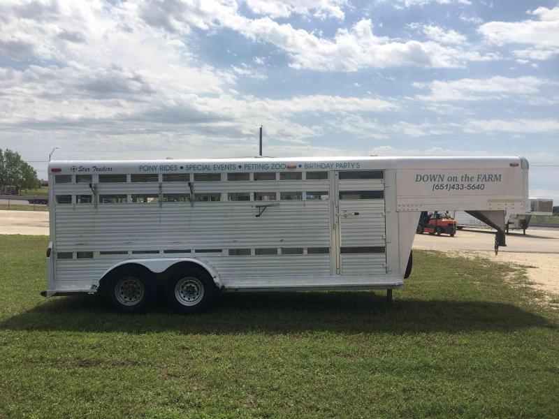 1996 4-Star Trailers 18 ft Livestock Trailer