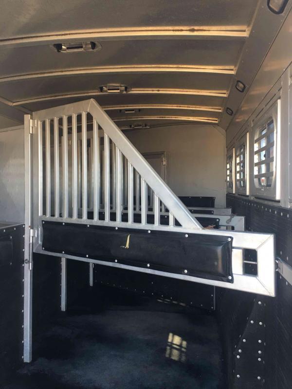 2008 Platinum Coach 4 Horse 12 ft Short Wall Horse Trailer