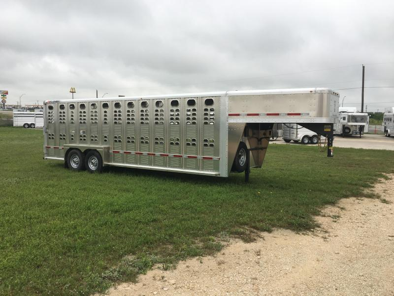 2021 Wilson Trailer Company 24 ft Livestock Trailer