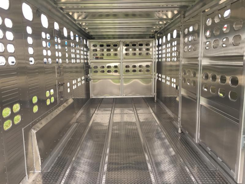 2021 Wilson Trailer Company 24 ft Livestock Trailer