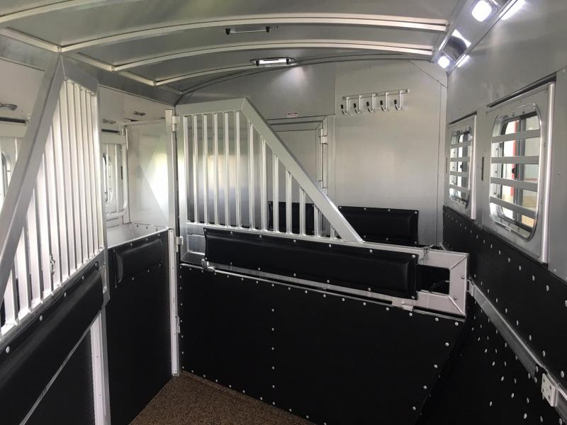 "2020 Platinum Coach 4 Horse Side Load 10'8"" Short Wall Flip Down Bunk Horse Trailer"
