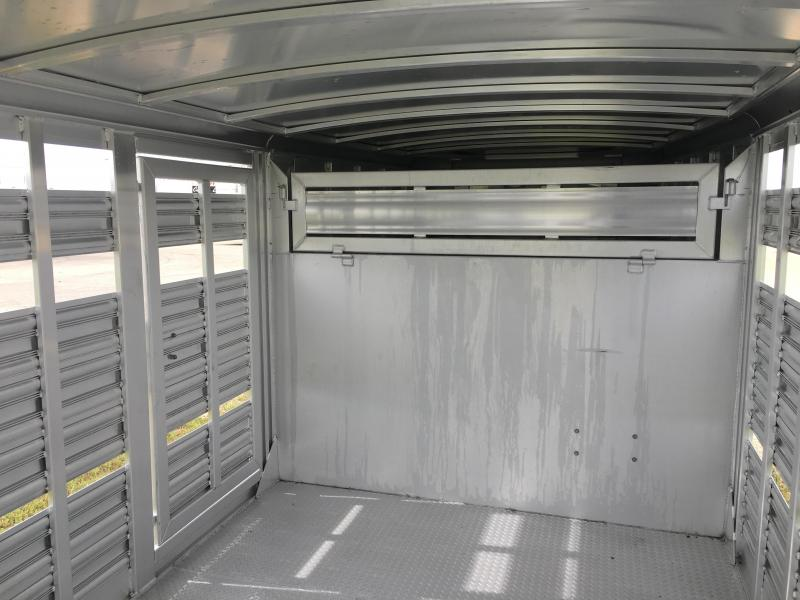 2022 Platinum Coach 28 ft with 17.5 Continental Tires Livestock Trailer