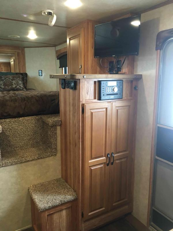 2016 Bison Trailers 4 Horse with a 13 ft Short Wall and Slide Horse Trailer