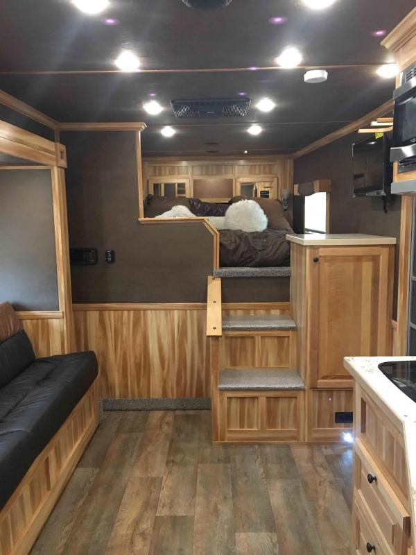 2021 Sooner 3 Horse with a 12.6 ft Short wall and Slide with Generator Horse Trailer