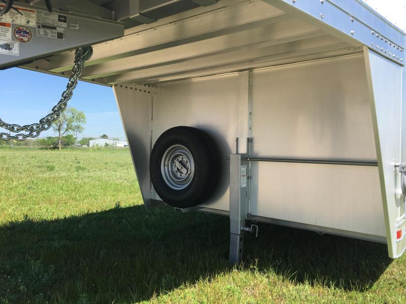 2022 Platinum Coach 28 ft by 8 ft Wide Stock Combo Livestock Trailer
