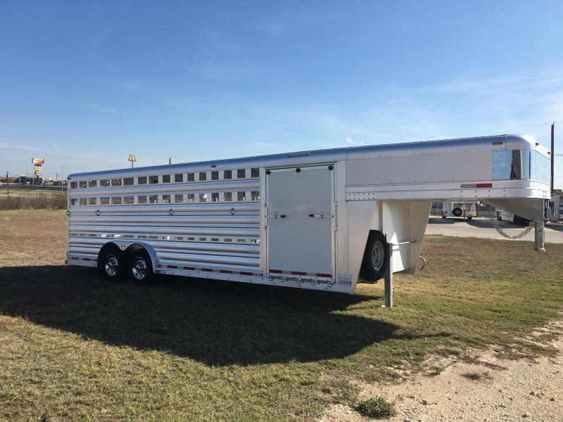 2020 Platinum Coach 24 ft Stock Show Livestock Trailer