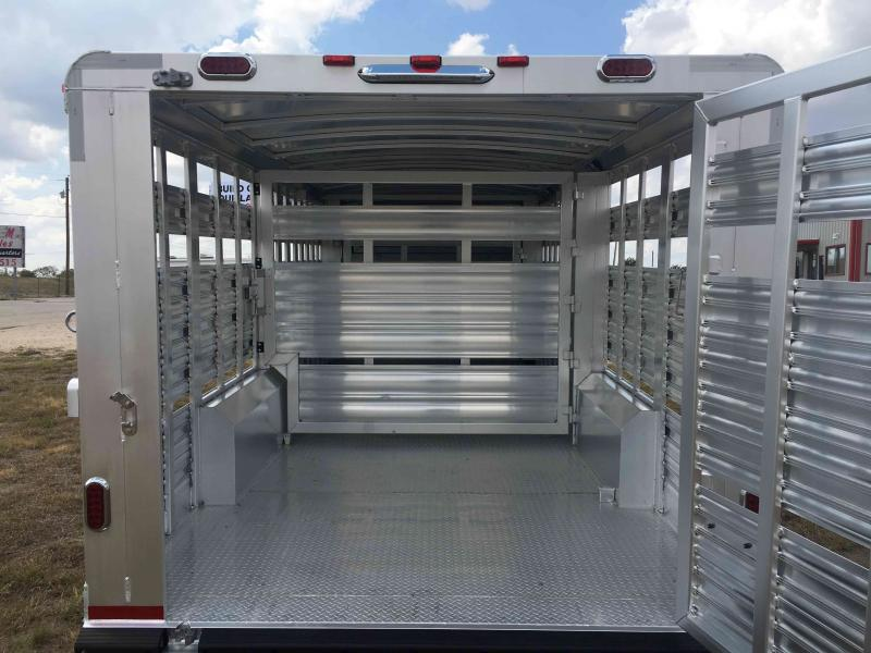 2021 Platinum Coach 24 Ft Stock Show Livestock Trailer
