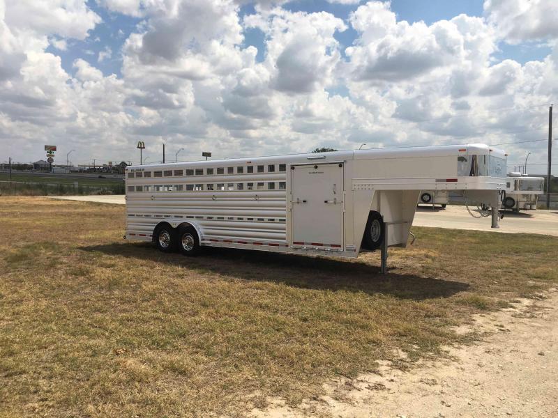 2022 Platinum Coach 24 Ft Stock Show Livestock Trailer