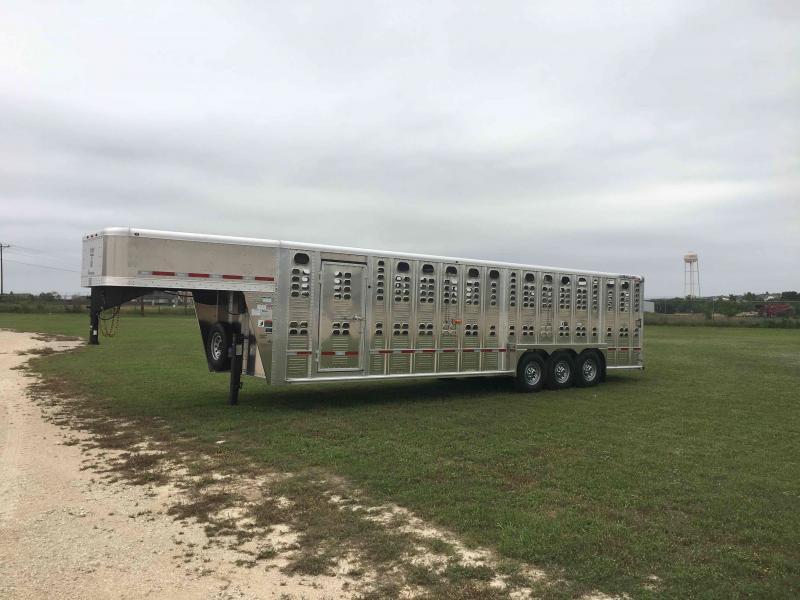 2021 Wilson Trailer Company 30 ft Foreman Livestock Trailer
