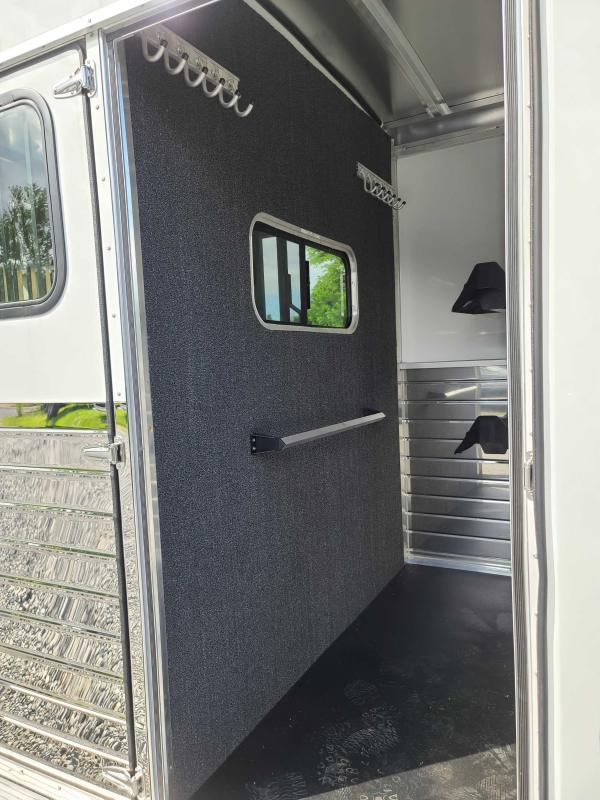 2020 Sundowner Trailers 2-H BP WARMBLOOD SIZED Horse Trailer