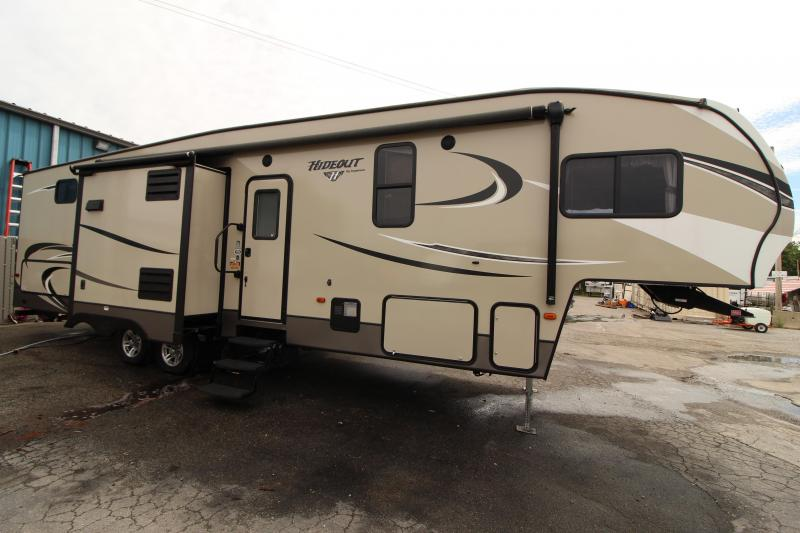 2017 CIMC Hideout 298 BHDS Fifth Wheel Campers